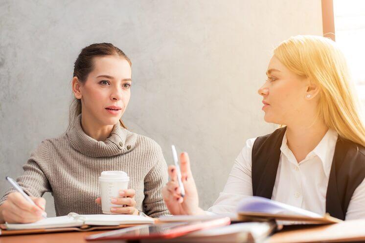 работа с психологом помогает пережить измену