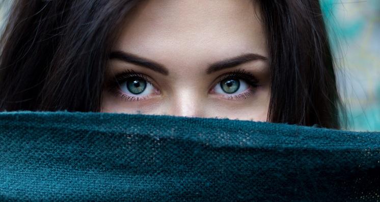 Красивый макияж для серых глаз: простые советы