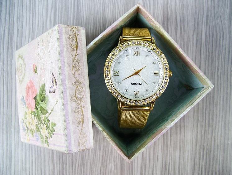 почему нельзя дарить часы на день рождения