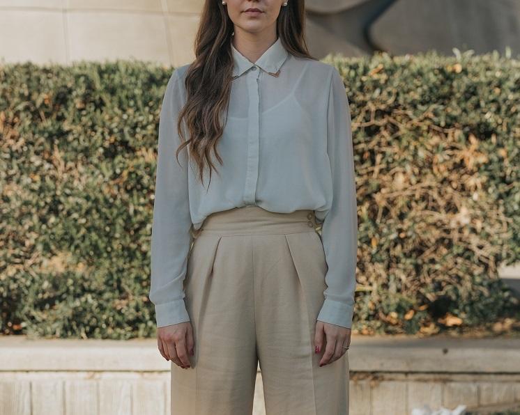 как модно заправить блузку