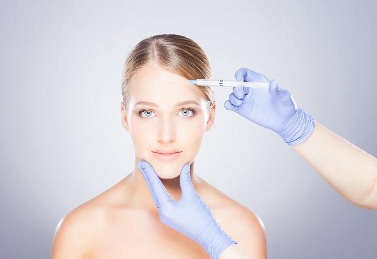 Плазмолифтинг лица: преимущества и опасности проведения процедуры