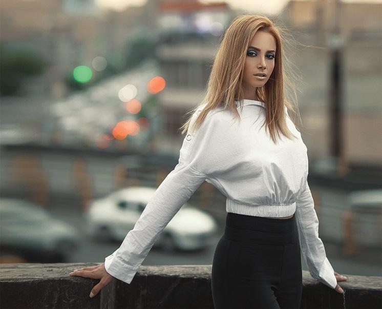 С чем носить женскую блузку: 10 идей для создания безупречного образа