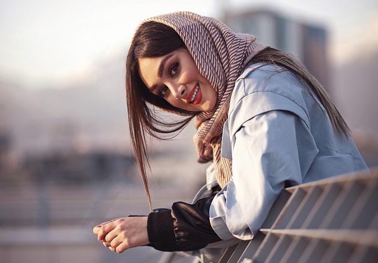 Как красиво завязать платок на голове: простые идеи