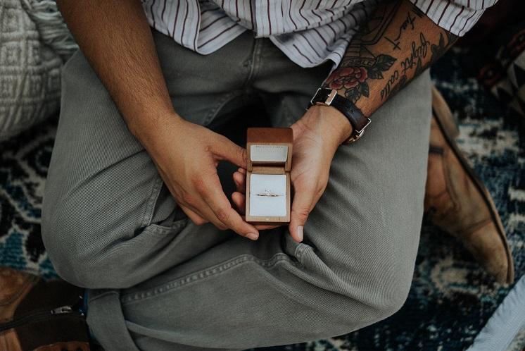 мужчина не зовет замуж