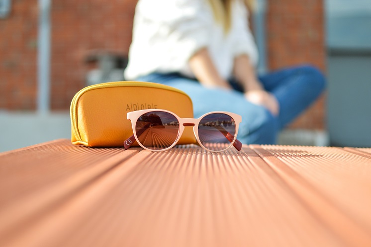 Модные женские солнцезащитные очки текущего сезона: основные тренды