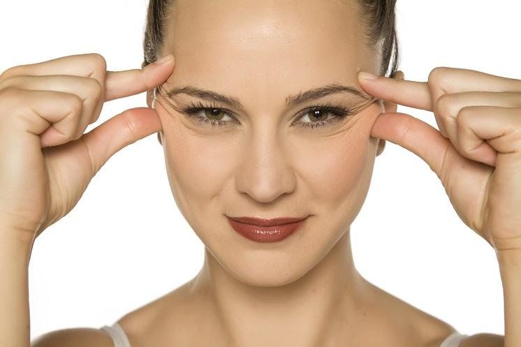 7 способов быстро избавиться от гусиных лапок вокруг глаз и на лице