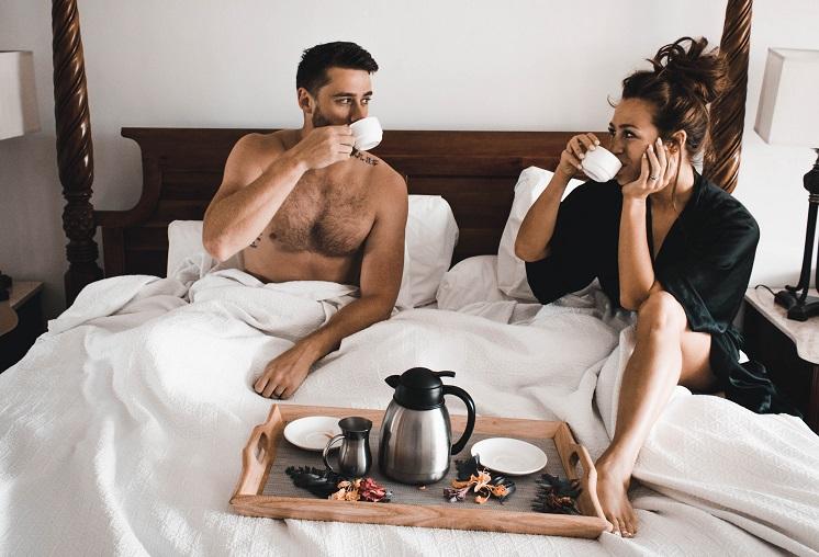 Как понять, что мужчина любит? 10 безотказных способов