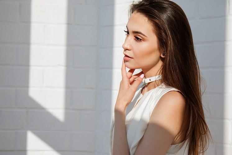 Как визуально уменьшить лицо: 10 простых лайфхаков